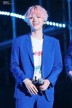 #Baekhyun from #Exo with his pink hair....for some reason when i saw this i though of woozi from seventeen