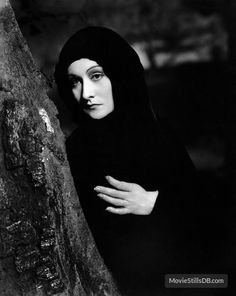 Gloria Holden in a still from Dracula's Daughter Cinema Movies, Sci Fi Movies, Movie Film, Dracula Untold, Francois Truffaut, Classic Horror Movies, Gothic Movies, Horror Monsters, Thing 1