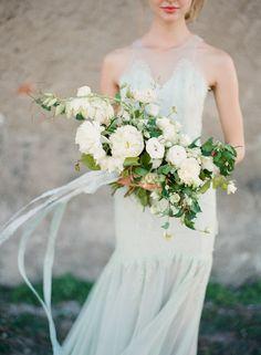 Soft, neutral bridal inspiration from Boheme Workshop   Wedding Sparrow   Vasia Photography