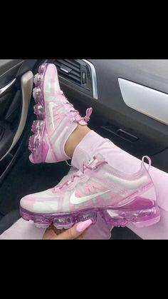 Fancy Shoes Cute Shoes Me Too Shoes Nike Gear Nike Tennis Sneaker Games Workout Shoes Sneaker Heels Kinds Of Shoes Cute Sneakers, Shoes Sneakers, Ladies Sneakers, Sneakers Adidas, Ladies Shoes, Shoes Men, Crazy Shoes, Me Too Shoes, Sneakers Fashion