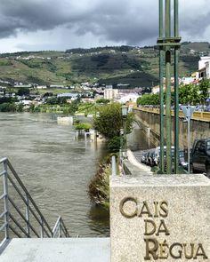 2016 05 12 - Cais da Régua inundado. Peso ds Régua. #regua #régua #pesodarégua #pesodaregua #douro #riodouro #rioduero #douroriver #dourolovers #ilovedouro #douroalive #bestdouro #super_douro #visitdouro #altodouro #altodourovinhateiro #portugal #portugalalive #portugalovers #portugal_top #adnportugal #amar_portugal #amar_norte #best_portugal #super_portugal #visitportugal #weloveportugal #welcomeportugal #anonymous_pt by luismbcarvalho