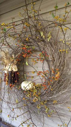 New Photographs fall wreaths indoor Suggestions I won't loose time waiting for drop every year… I like summer time, I will miss your lengthy days and the calming m Autumn Decorating, Primitive Fall Decorating, Primitive Decor, Porch Decorating, Decorating Ideas, Deco Floral, Autumn Nature, Autumn Wreaths, Wreath Fall