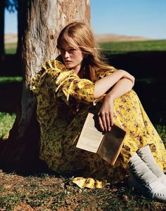 Model Jean Campbell enjoys the 'Country Life', styled in pretty fancy prairie-girl looks by Kate Phelan . Photographer Alasdair McLellan captures the bucolic beauty for Vogue UK March Hair by Duffy; makeup by Lynsey Alexander Party Photography, Editorial Photography, Portrait Photography, Fashion Photography, Vogue Uk, Fashion Editorial Nature, Vogue Editorial, Outdoor Girls, Mode Editorials