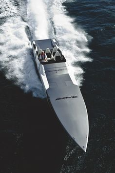 of the day - AMG Boat. Spectagular vesssel in striking matte black. Fast Boats, Cool Boats, Speed Boats, Power Boats, Yacht Design, Boat Design, Benz Amg, Jets, Love Boat