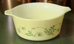 Vintage Pyrex Shenandoah 474 Round Casserole by EleanorMeriwether, $10.00