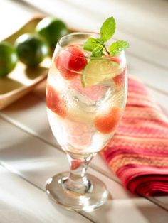 2 oz. light rum ½ bottle of Lipton Diet Green Tea with Watermelon 1 oz. lime juice 1 mint sprig Combine all ingredients in a glass filled with ice and stir. Source: Lipton Iced Tea