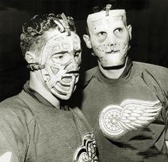 Dennis Riggin & Terry Sawchuk - Detroit 1962 Hockey Room, Women's Hockey, Blackhawks Hockey, Hockey Games, Chicago Blackhawks, Bobby Orr, Goalie Mask, Sports Uniforms, Masked Man