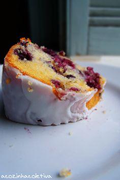 A Cozinha Coletiva: Bundt Cake de Limão e Mirtilos