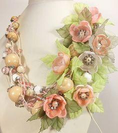 Купить Бриз с райского острова. Колье со съёмным цветочным декором. - розовый, кремовый, бежевый