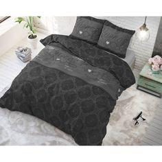 Posteľná bielizeň s motívmi inšpirovanými najnovšími trendami. Comforters, Blanket, Home, Website, Good Night, Twin Cribs, Creature Comforts, Quilts, Ad Home