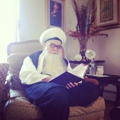 """Sayyidi Mawlana Shaykh Muhammad Hisham Al Kabbani (ق) in New Jersey! He is Qutub al-Mutassarif ! As Qutub al- Mutassarif,he is authorized to channel the """"happy angels""""  to different people and creatures, and is responsible even for the smallest worm that dwells inside a rock. And all of these are coming from Sayedena Muhammad (S). He is also authorized to read the Preserved Tablets! May God Almighty and Exalted Sanctify his Secret!"""