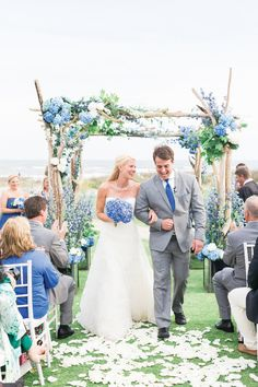 Color Crush: Periwinkle, Indigo Blue and Gray | Photo by: Corbin Gurkin Photography | TheKnot.com