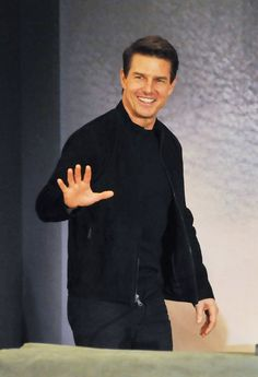 Tom Cruise Smile, Tom Cruise Young, Celebrity Dads, Celebrity Style, Z Cam, My Tom, Mission Impossible, Mark Wahlberg, Ben Affleck