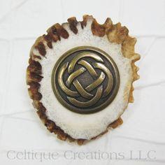Celtic Handmade Kilt Pin Cap Badge Deer Antler Antique Brass #handmade #kiltpin #kiltaccessory #deerantler #celticknot #celtiquecreations