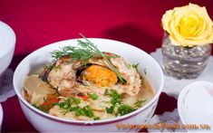 Vietnamese Food: Carp Fish Soup with Bamboo Recipe (Canh Cá Chép Nấ. - Asian and more. Easy Vietnamese Recipes, Vietnamese Soup, Vietnamese Cuisine, Fish Recipes, Soup Recipes, Bamboo Recipe, What Is For Dinner, Fish Soup, Carp Fishing