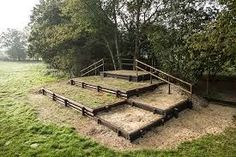 open stable Offenstall - Art Of Equitation Paddock Trail, Horse Paddock, Horse Arena, Cross Country Jumps, Horse Barn Plans, Country Fences, Horse Exercises, Horse Riding Tips, Horse Property