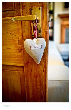 Need help decluttering your home? Try these tips! Just in time for holiday visitors! www,pintsizedtreasures.com