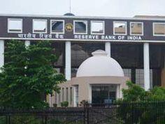 Lucknow: एटीएम चेस्ट से अगर फेक करेंसी निकलती है तो रिजर्व बैंक उसका 25 परसेंट कम्पंसेशन देगा. साथ ही सम्बंधित बैंक के खिलाफ कड़ी कार्रवाई भी की जाएगी. आरबीआई ने फेक करेंसी की रोकथाम के लिए नयी गाइडल�...