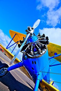 Vintage Helicopters The Boeing Stearman Biplane - Jorge Martinez, Aviation Decor, Radial Engine, Air Festival, Airplane Art, Vintage Airplanes, Aircraft Pictures, Nose Art, Funny Vintage