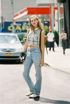 Mom jeans + crop top | Vanessa Jackman