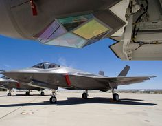 Lockheed Martin, Edwards Air Force Base, 416th FLTS F-35 ITF, JSF, 6 ship static display, sunrise, AF-1, AF-2, AF-3, AF-4, AF-6, AF-7   por LockheedMartin19