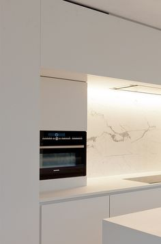 Built-inl kitchen design by Filip Deslee _