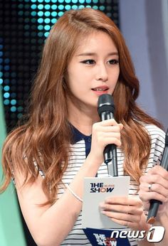 A fun Tuesday with T-ara's JiYeon on 'The Show' ~ T-ara World ~ 티아라