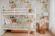 Superb Teen girl bedrooms idea, roooom styling summary ref 2299283742 Bunk Beds For Girls Room, Bunk Bed Rooms, Kids Bunk Beds, Teen Girl Bedrooms, Little Girl Rooms, Modern Bunk Beds, Modern Bedding, Girls Room Design, Bunk Bed Designs