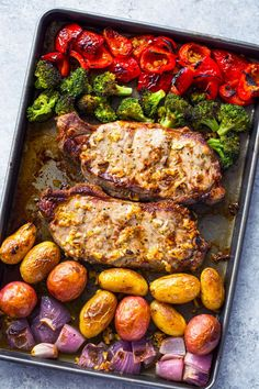 Steak, potatoes, broccoli, bell peppers and onion brushed witholiveoil, garlic and herbs and oven roasted for 10 minutes until tender!Growing up, we've always cooked steak on the stove-top…