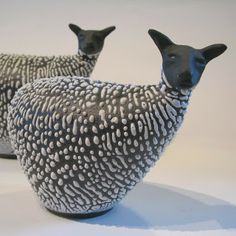 Ceramic sheep  |  Artist:  Cecilia Boivie  |  http://ceciliaboivie.blogspot.fr/