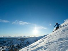 With 14 resorts, endless backcountry, 300 to 500 inches of snowfall annually and notoriously sunny skies, Lake Tahoe is one of the best places to ski and snowboard on Earth. >> http://www.frontdoor.com/photos/lake-tahoe-adventures?soc=pindhm
