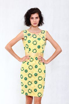 #yellowdress #pinktag