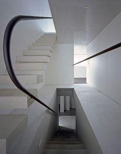 Matsuyama Architect and Associates - House in Shuri