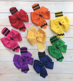 Back to School Bow Set Crayon Hair Bows Pencil by HaleysBows - All For Simple Hair Diy Hair Bows, Diy Bow, Ribbon Crafts, Ribbon Bows, Ribbons, School Hair Bows, Pinwheel Bow, Hair Bow Tutorial, Boutique Hair Bows