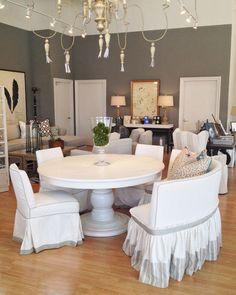 Quatrine round Iveston dining table with pedestal base