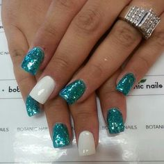 Love the white with the glitter turquoise