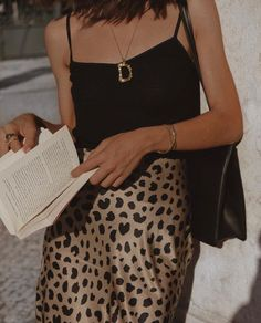 Summer Style Outfit Ideas Leopard Skirt Silk Top Barely There Fashion Simple Easy Trendy Summer Outfit Ideas How To Style Dainty Jewellery Fast Fashion, Look Fashion, Womens Fashion, Ladies Fashion, Feminine Fashion, Young Fashion, Vogue Fashion, Feminine Style, Fashion Online