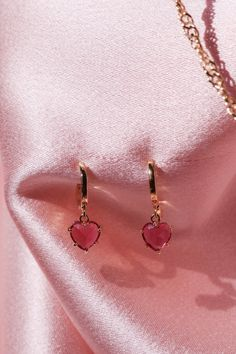 Our gold plated Pink Gem Heart Earrings is the perfect accessory for every season! Its understated vibe makes it perfectly wearable with many outfits. Cute Jewelry, Jewelry Accessories, Jewelry Necklaces, Women Jewelry, Fashion Jewelry, Gold Bracelets, Heart Jewelry, Jewlery, Pink Jewelry