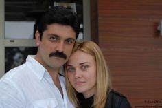 Yapımcılığını Medyaton-Nurdan Tümbek Tekeoğlu'nun ve yönetmenliğini Orhan Tekeoğlu'nun yaptığı 'Öyle Sevdim Ki Seni' filmi, 27 Eylül'de sinemalarda.. #oylesevdimkiseni