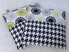 Modern Potholders in Houndstooth in Black and White with Circle Dot Motif