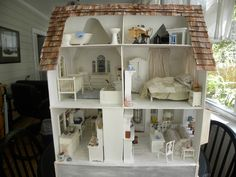 I have this model dollhouse!Bittersweet Cottage made by Diane Leyh Miniature Dollhouse Furniture, Miniature Rooms, Miniature Houses, Dollhouse Miniatures, Charleston Homes, Play Houses, Doll Houses, Contemporary Cottage, Victorian Dollhouse