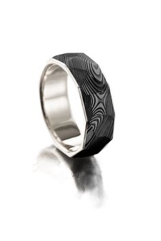 Black faceted Damascus ring with white gold Damascus Ring, Damascus Steel, Institute Of Design, Petra, Different Colors, Rings For Men, White Gold, Wedding Rings, Rose Gold