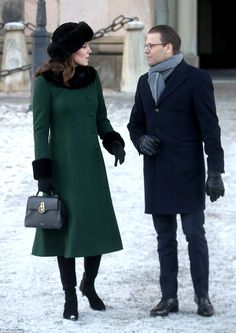 The Duchess of Cambridge looked chic in a forest green Catherine Walker coat, which she wore over a matching shift dress while in Stockholm Sweden in January Here she talks to Prince Daniel, husband of Crown Princess Victoria. Kate Und William, Prince William And Catherine, Princesse Kate Middleton, Kate Middleton Prince William, George Of Cambridge, Duchess Of Cambridge, Queen Of Sweden, Catherine Walker, Prince Daniel