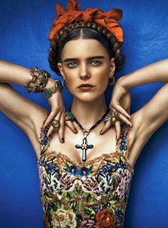 Modernised Frida Kahlo fashion inspiration