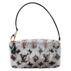 Pre-owned Louis Vuitton Milla Mink Clutch Bag (€1.875) ❤ liked on Polyvore featuring bags, handbags, clutches, grey, louis vuitton purse, gray handbags, grey purse, louis vuitton handbags and mink handbag