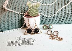 Www.aconite.at Plugs, Earrings, Ear Rings, Stud Earrings, Corks, Ear Piercings, Ear Jewelry, Beaded Earrings Native, Pierced Earrings