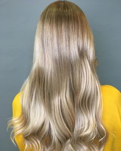 Shimmery shades of beige and sandy blonde creates a gorgeous Champagne Blonde effect. Wella colour created by Jonny Nightingale. Sandy Blonde, Warm Blonde, Beige Blonde Hair Color, Champagne Blonde, Shades Of Beige, Nightingale, Hair Colors, Hair Trends, Design Ideas