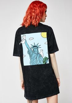 RIPNDIP Liberty Tee cuz ya livin' the dream, bb. Chillin' with this tee that has a Lady Liberty chillin' with Nermal graphic on the front N' back and a pocket on the front.