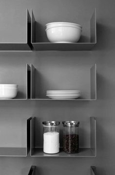 Floating shelves are an outcome of the modern and advance furniture and shelving design with a one basic purpose, to help you create modern Bookcase Shelves, Metal Shelves, Display Shelves, Wall Shelves, Floating Shelves, Steel Shelving, Floating Wall, Shelf Design, Küchen Design