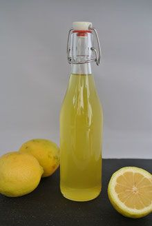 Limoncello einfach selbst machen - Einfache Organisation & Rezepte Best Picture For Healthy Drinks smoothies For Your Taste You are looking for something, and it is going to tell you exactly what you Limoncello Cocktails, Making Limoncello, Smoothies, Smoothie Bowl, Smoothie Recipes, Alcholic Drinks, Non Alcoholic Drinks, Beverages, Matcha
